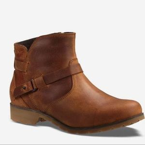 Teva Brown Leather waterproof ankle boots size 10